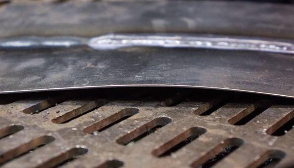 Сварочный шов при сварки электродом