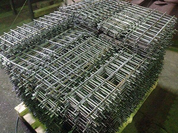 Точечная сварка сетки из арматуры