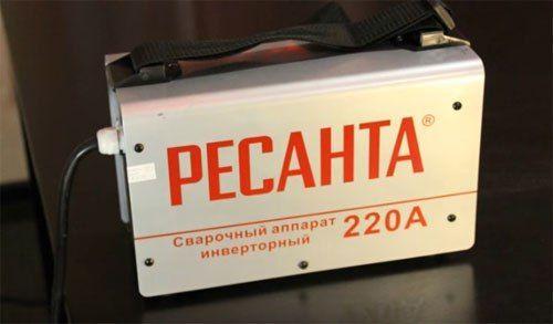 Сварочный инвертор Ресанта САИ220