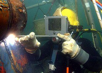 Подводная сварка электродами