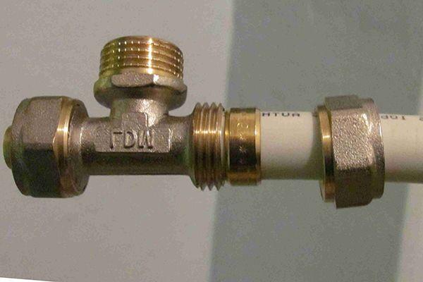 Соединение ПП труб муфтой