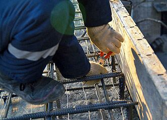 Прогрев бетона сварочным аппаратом на арматуру