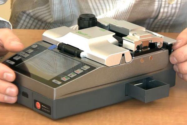 Сварочный аппарат для оптоволокна