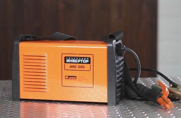 Гибридный инвертор Сварог Arc Pro 205