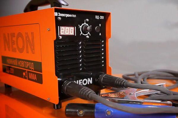 Внешний вид инвертора Neon ВД 201