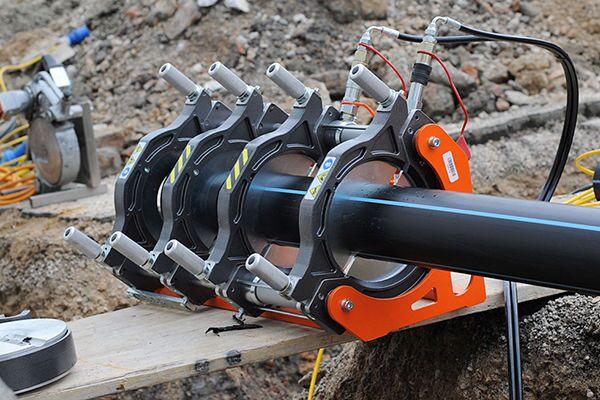 Аппарат для стыковой пайки пластиковых труб