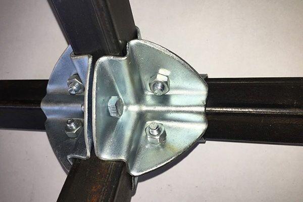 Краб-система для соединения профильной трубы