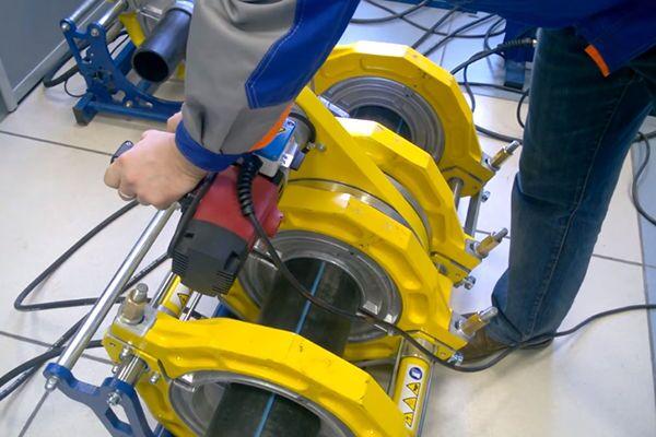 Полуавтоматический аппарат для сварки ПЭ труб встык
